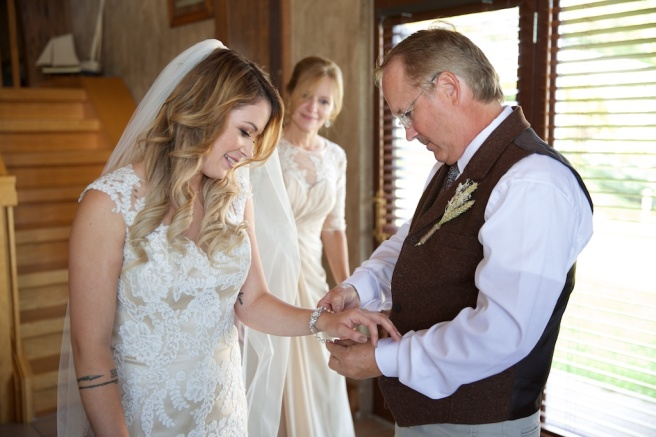 Chantelle Marie Lakehouse Auburn Wedding Photography 076.jpg
