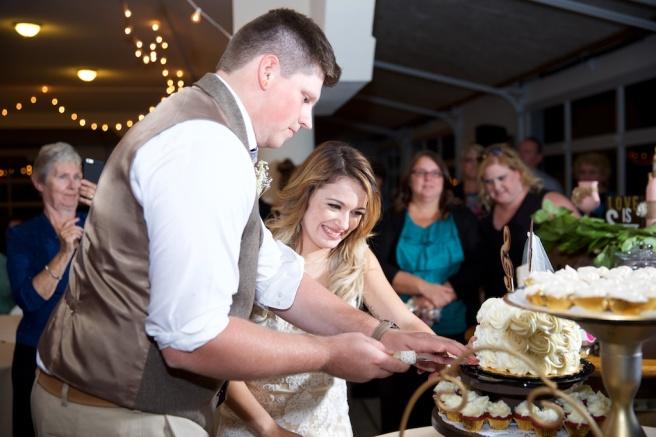Chantelle Marie Lakehouse Auburn Wedding Photography 357.jpg